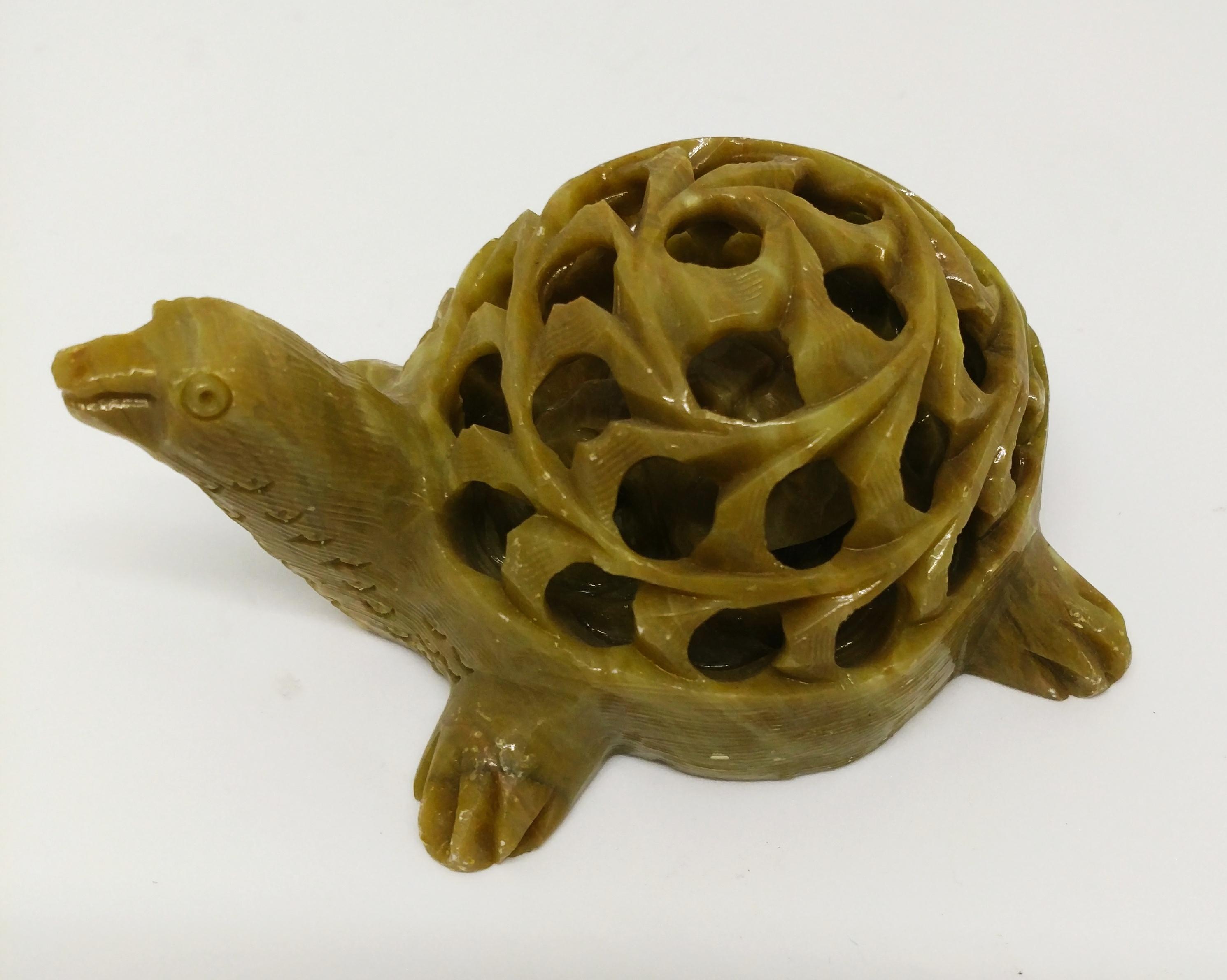 母子龜 (石雕)