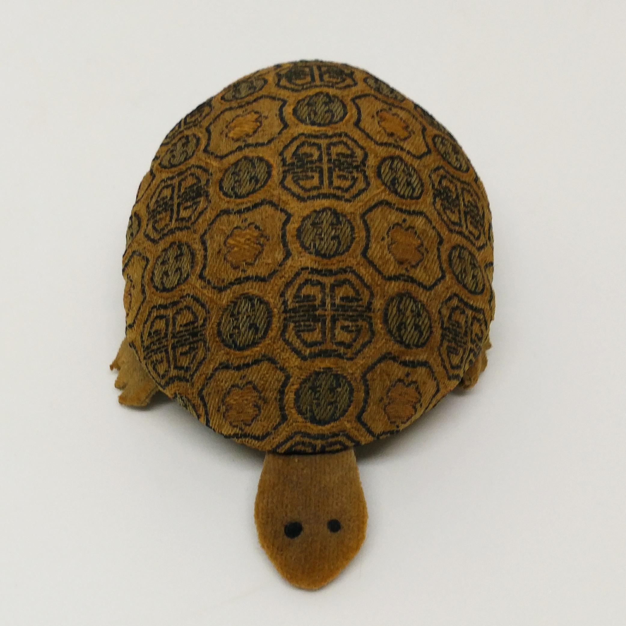 烏龜針線包