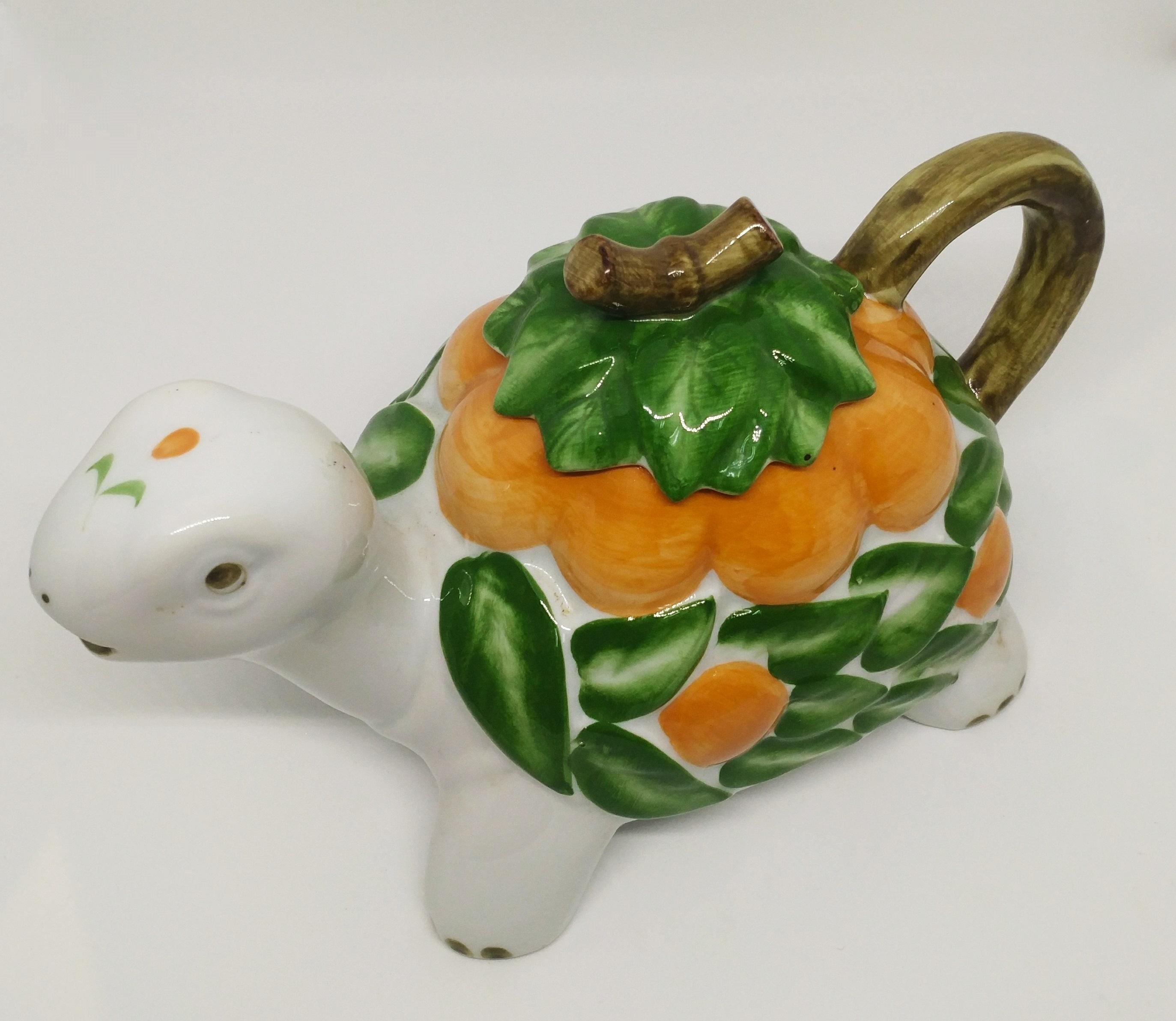烏龜茶壺 (綠葉)